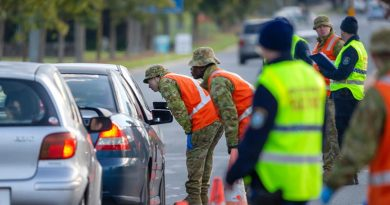 Australian Army soldiers assist New South Wales Police officers at a border control point in Albury, during Operation COVID-19 Assist. Photo by Corporal David Cotton.