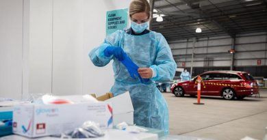 Leading Aircraftwoman Hayley Daniel, No.1 Expeditionary Health Squadron, prepares for COVID-19 testing at the Melbourne Showgrounds during Operation COVID-19 Assist. Photo by Leading Aircraftman John Solomon.