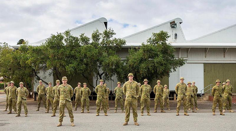 Reservists of 10th/27th Battalion, Royal South Australia Regiment, prior to their departure to Mount Gambier. Photo by Leading Aircraftwoman Jacqueline Forrester.