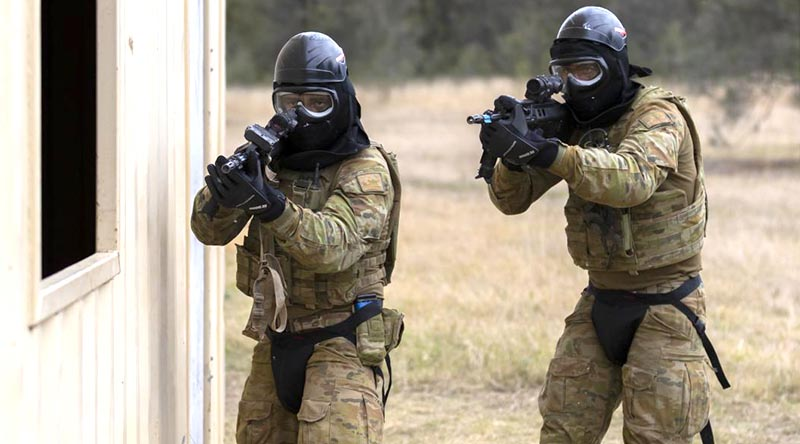 Army officers during a Blue Bolt non-lethal training ammunition serial on the infantry Regimental Officer Basic Course at the Singleton Military Area. Photo by Sergeant Ray Vance.