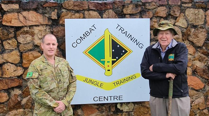 Major Simon Sullivan and Brigadier (read) 'Warry' Mansford at Jungle Training Wing, Tully. Photo and story by Sergeant Dave Morley.