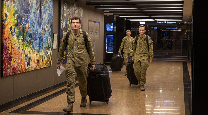 Soldiers from the 2nd/14th Light Horse Regiment, (Queensland Mounted Infantry), leave hotel quarantine in Brisbane after supporting Operation COVID-19 Assist in Victoria for 10 weeks. Photo by Corporal Nicole Dorrett.