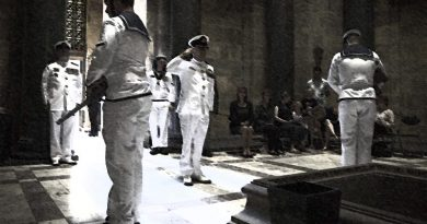 A service to commemorate the sinking of HMAS Vampire at the Shrine of Remembrance in Melbourne. Original photo by Leading Seaman Bonny Gassner, stylised by CONTACT.