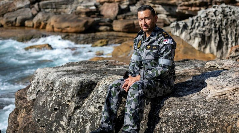 Leading Seaman Clearance Diver Steven Palu was awarded the Conspicuous Service Medal in the 2021 Australia Day honours. Photo by Leading Seaman Christopher Szumlanski.