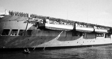 Australian troops bound for Vietnam line the flight deck of HMAS Sydney – the Vung Tau Ferry –on departure from Garden Island, Sydney.