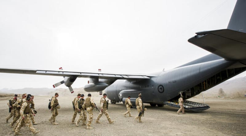 New Zealand troops board a RNZAF Hercules in Bamiyan province, Afghanistan. NZDF photo.