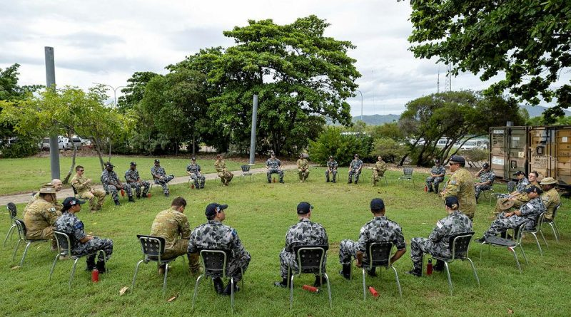 Navy Indigenous Development Program recruits take part in a yarning circle with soldiers from the 10th Force Support Battalion during a visit to Ross Island Barracks in Queensland. Photo by Corporal Brodie Cross.