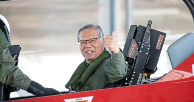 Governor of South Australia Hieu Van Le in a PC-21 aircraft after a flight during his visit to RAAF Edinburgh, South Australia. Photo by Leading Aircraftman Sam Price.