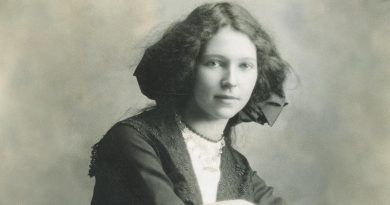 Fay Howe, pictured in her late teens. Image courtesy Don Howe and the Albany History Collection.