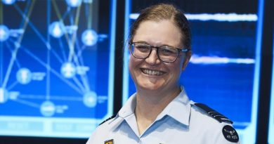 Squadron Leader Kate Yaxley lectures and mentors students at UNSW Canberra.