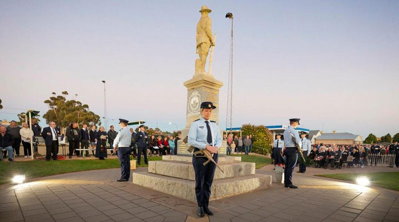 Members of No. 83 Squadron take part in the catafalque party during the 2021 Anzac Day service held at the Cenotaph, Moonta, SA. Story by Flight Lieutenant Georgina MacDonald. Photo by Leading Aircraftman Stewart Gould