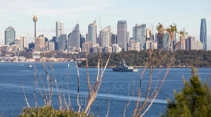 HMAS Parramatta sails through Sydney Harbour to her homeport at Fleet Base East after being on deployment. Story by Lieutenant Sarah Rohweder. Photo by Able Seaman Benjamin Ricketts.