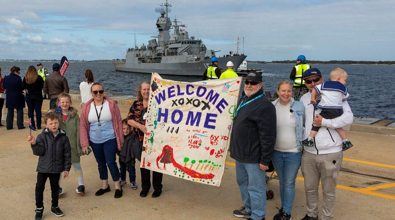 Family and friends of Petty Officer Boatswain Glen Nipperess, welcome home HMAS Ballarat following a four-month deployment, to Fleet Base West in Western Australia. Story by Lieutenant Gary McHugh. Photo by Leading Seaman Ronnie Baltoft.