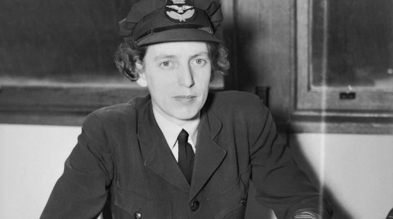 Squadron Officer Doris Carter, WAAAF, at her office desk at RAAF HQ, Victoria Barracks, in 1944. Story by Flying Officer Robert Hodgson. Photo: Australian War Memorial.