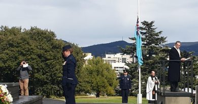 Commander Combat Support Group Air Commodore Veronica Tyler lays a wreath at the Hobart Cenotaph. Story by Flight Lieutenant Kate Davis. Photo by Sergeant Tanya Russell.
