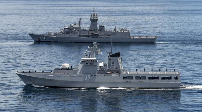 HMAS Anzac sails in company with Royal Brunei Navy ship KDB Darulehsan during Indo-Pacific Endeavour 21. Photo by Leading Seaman Leo Baumgartner.